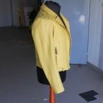 Żółta kurtka skórzana